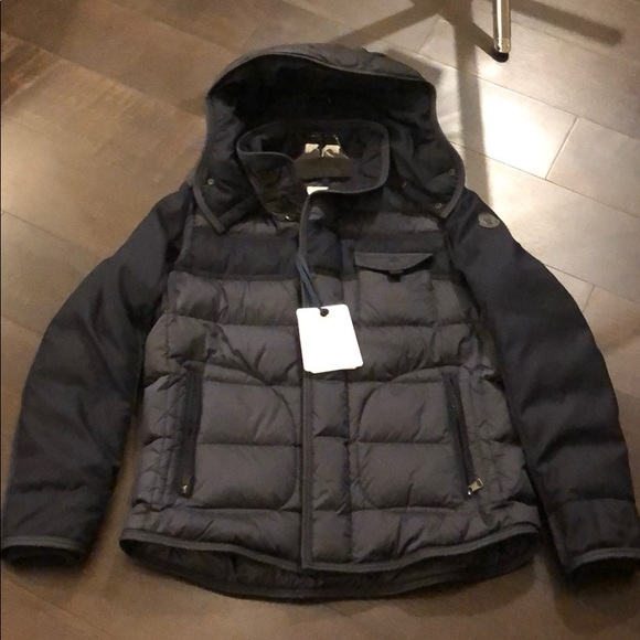 df0952946 Authentic MONCLER Men's Ryan Hooded Puffer Size 5 NWT